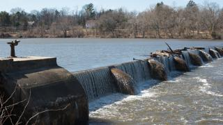Lake Carnegie Dam